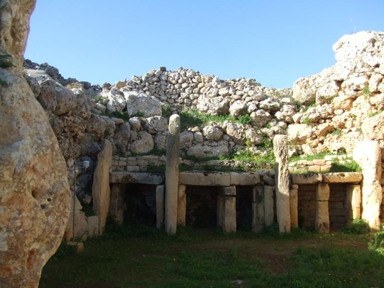 Gozo - inside Ggantija