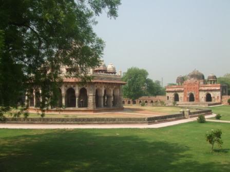 Garden tombs